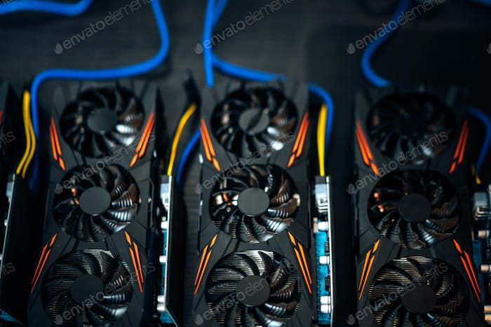 Details of building a mining rig, gpu cards, mainboard and computer used for bitcoin cryptocurrency