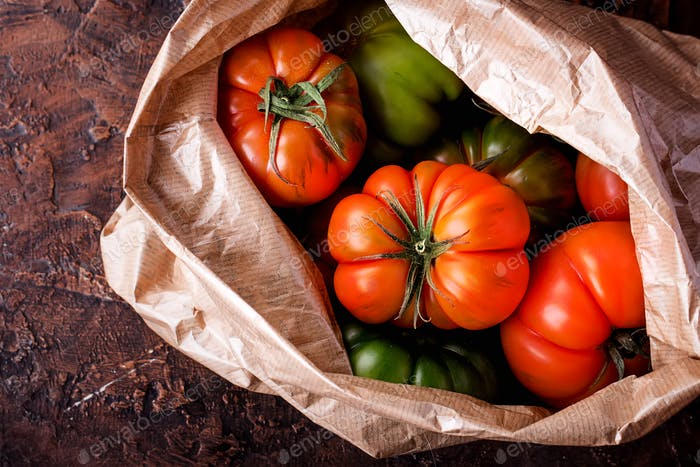 Auswahl feinster italienischer Bio-Tomaten