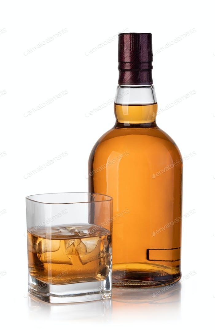 Whisky-Flasche und Glas