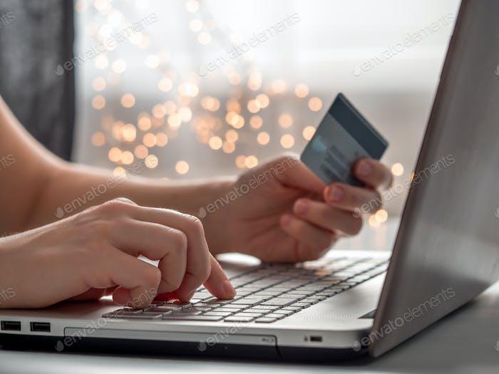 Cristmas online shopping soncept