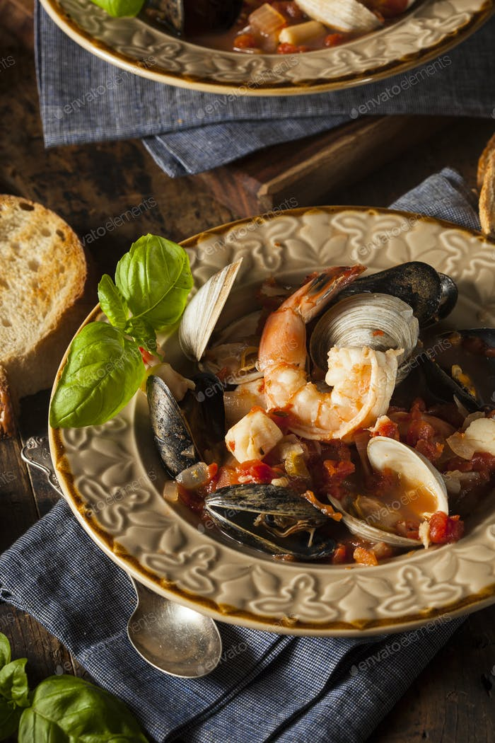 Homemade Italian Seafood Cioppino