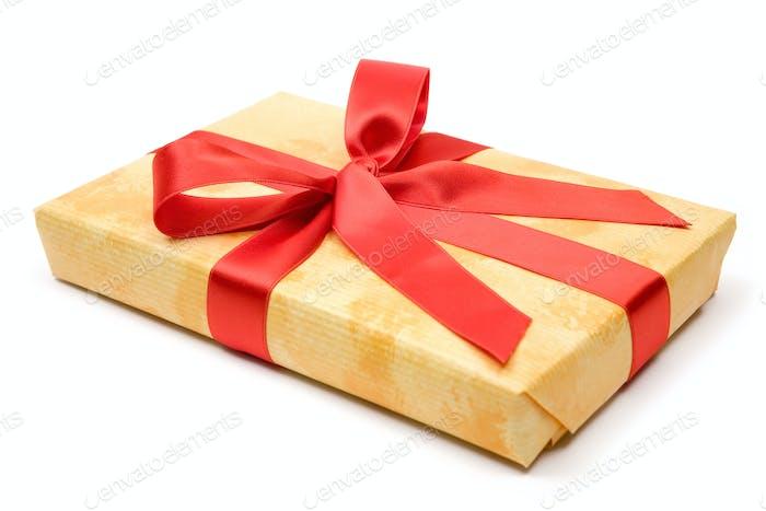 Geschenk isoliert auf weißem Hintergrund