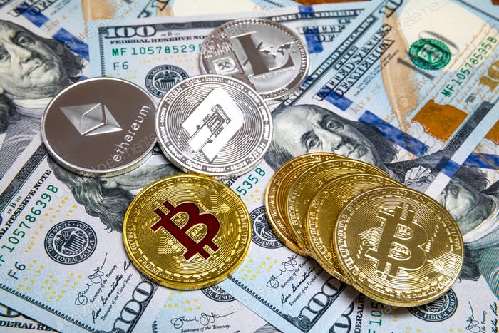 Bitcoin und Kryptowährung auf Banknoten von hundert Dollar