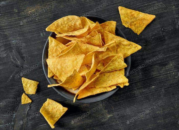Schüssel mit Maischips nachos