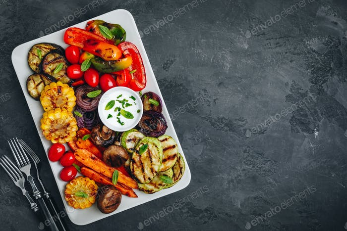 Grilled Vegetable Platter with Zucchini