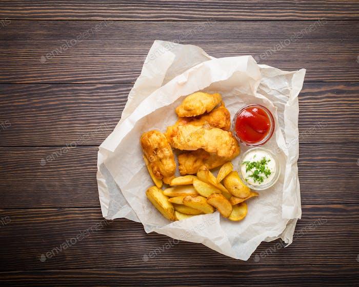 Блюдо из рыбы и чипсов