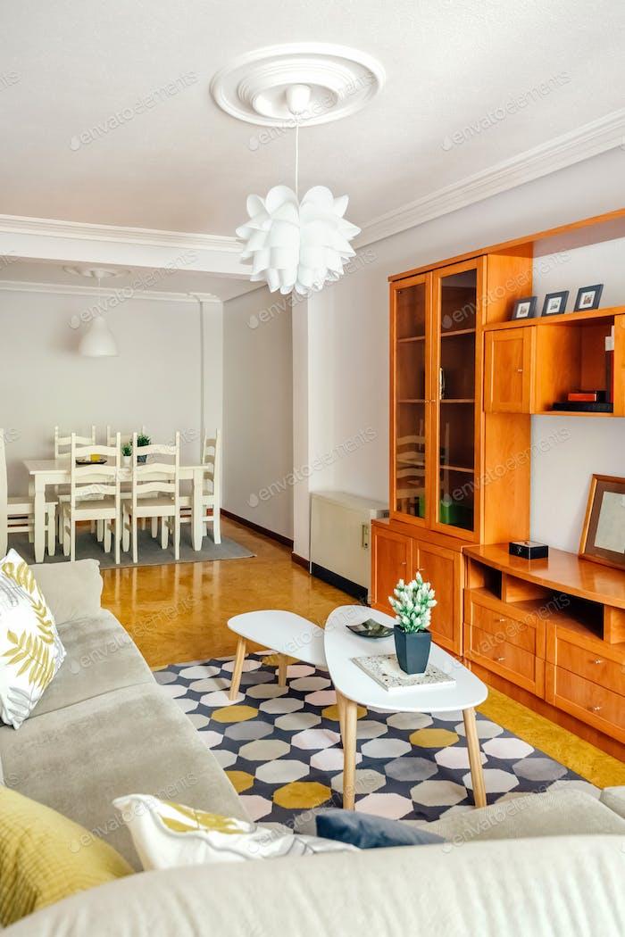 Interior del comedor y sala de estar