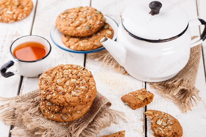 Oatmeal cookies with sesame seeds and pumpkin seeds