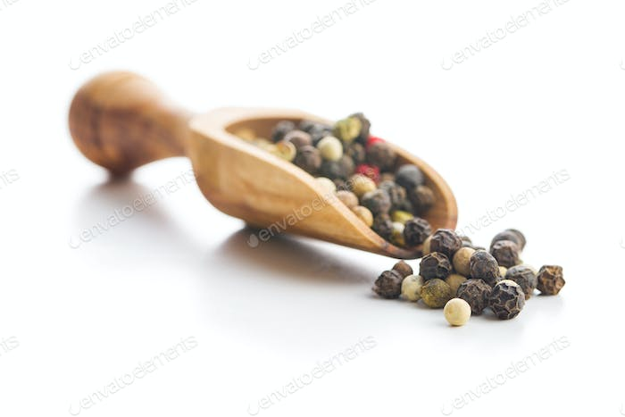 Different types of dried peppercorn.
