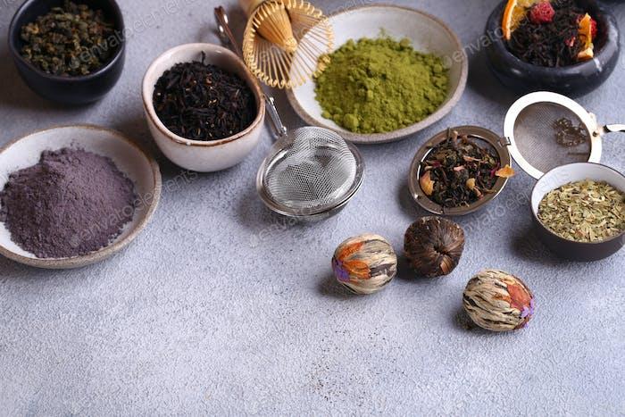 Assortment Black and Green Tea