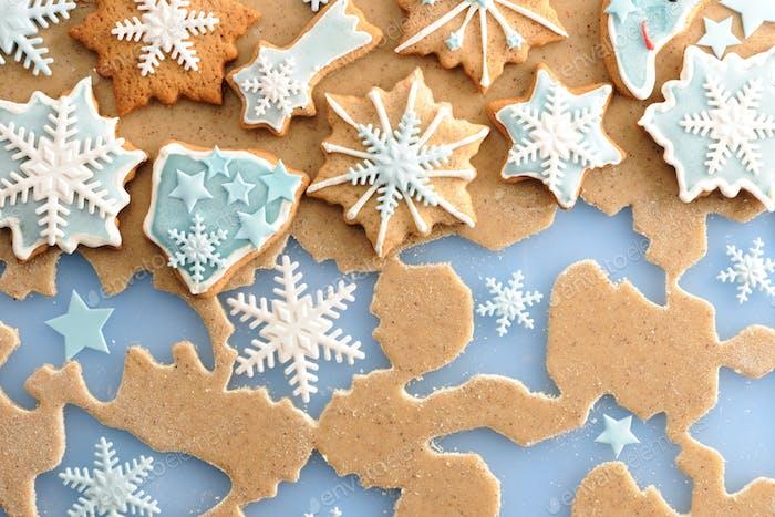 Weihnachts-Lebkuchenkekse über Teig