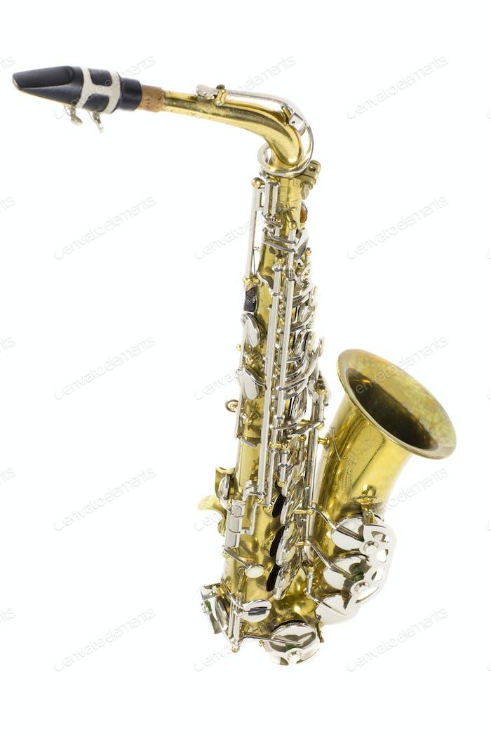 isoliert in weißem Porträt eines Altsaxophons