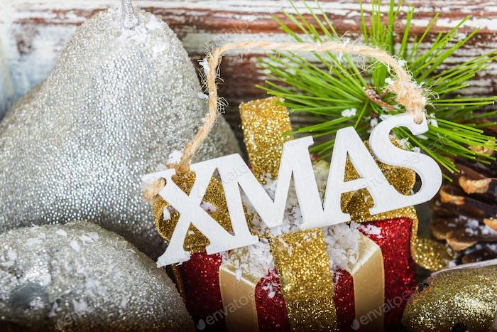 Vorbereitung auf das Weihnachtsfest mit vielen Weihnachtssymbolen