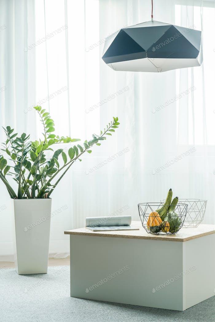 Coffee table arrangement