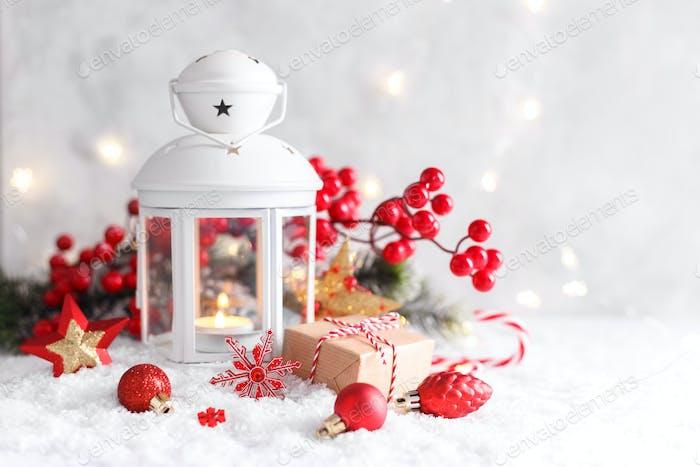 Weiße Weihnachtslaterne