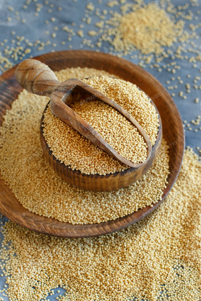 bowl of raw Amaranth Grain with a scoop