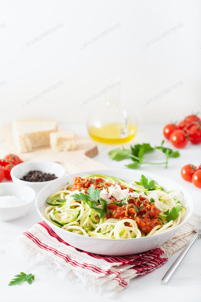 keto paleo zoodles bolognese: zucchini noodles with meat sauce a