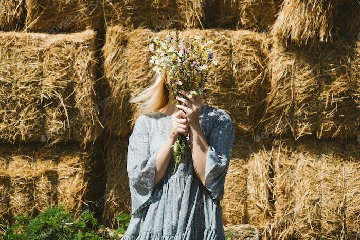 Cottagecore Farmcore Countrycore-Ästhetik, frische Luft, Landschaft, langsames Leben, pastorales Leben