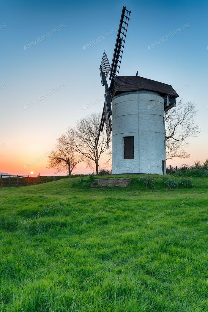 Sonnenuntergang bei Ashton Windmühle