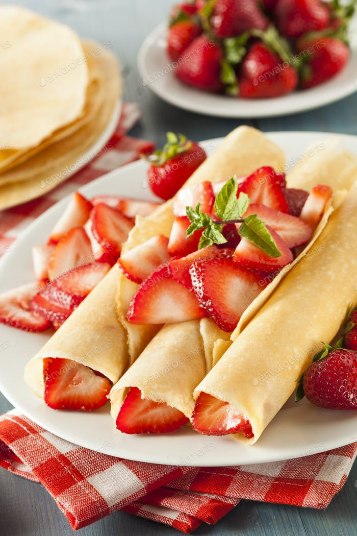 Fresh Strawberry French Crepes