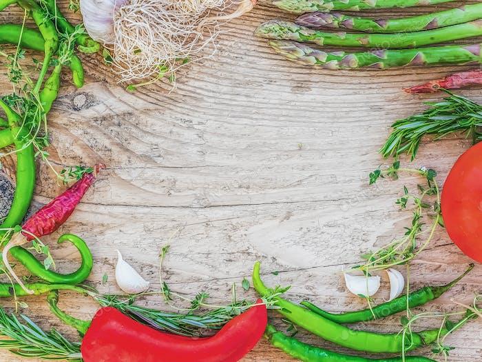 Mediterranean vegetable set consisting of garlic, tomato, fresh