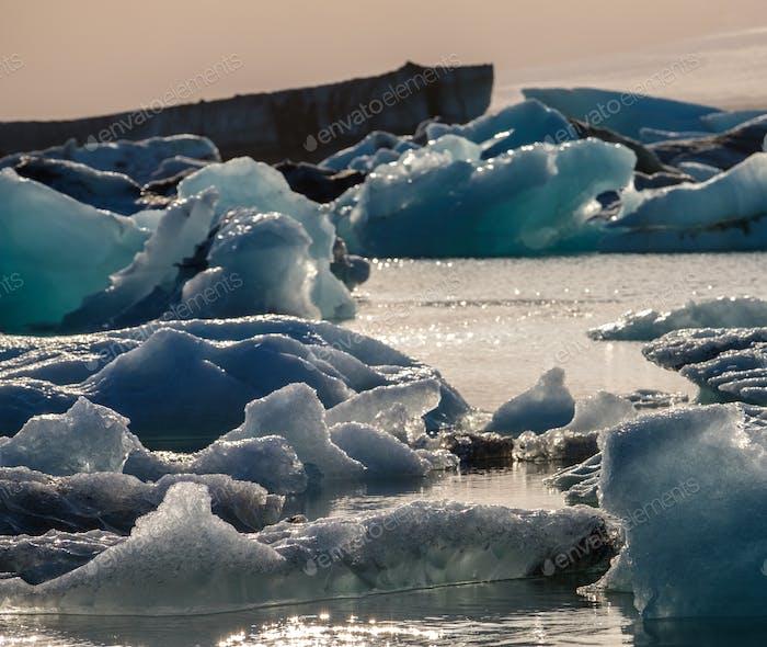 Вид таяния ледника из-за глобального потепления