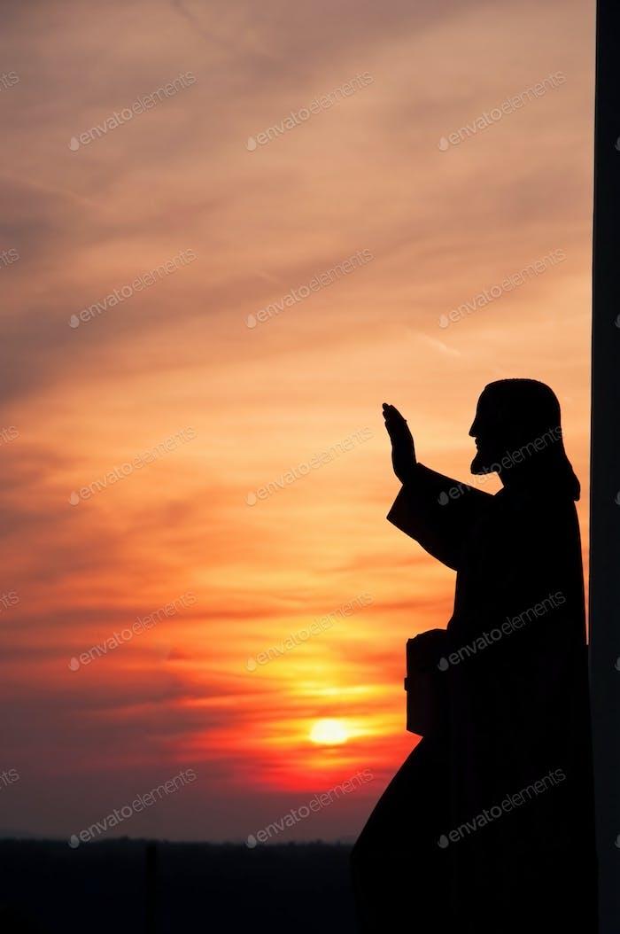 Statue Jesu schenkt Segen