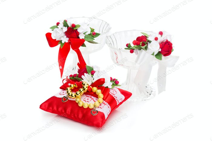 Crystal glasses with red flower decor