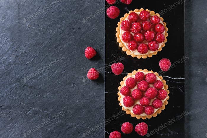 Tartlet with raspberries