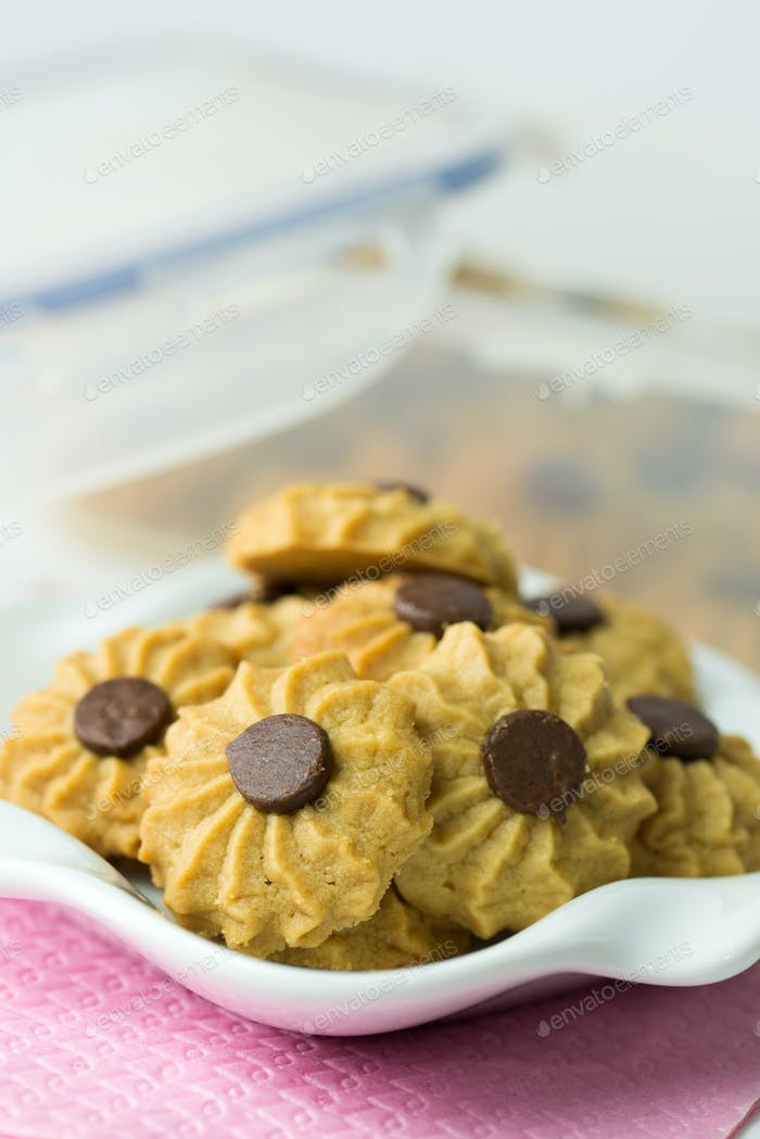 Coffee butter chocolate chip cookie