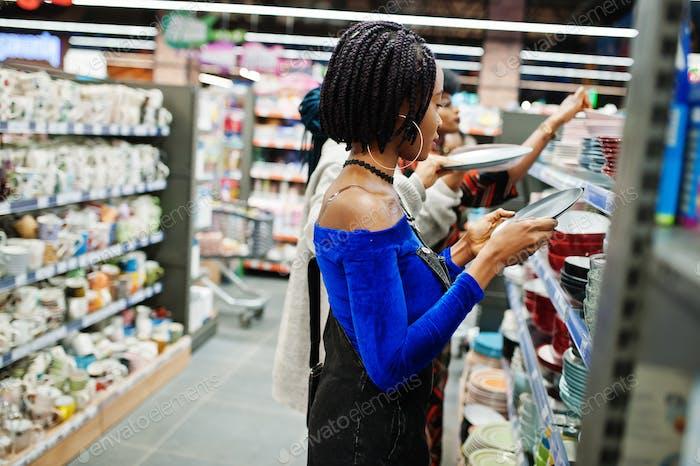Africans at supermarket