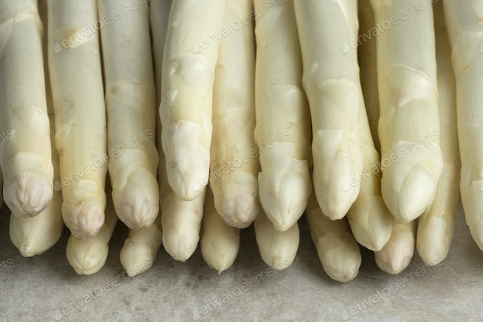 White unpeeled asparagus tips