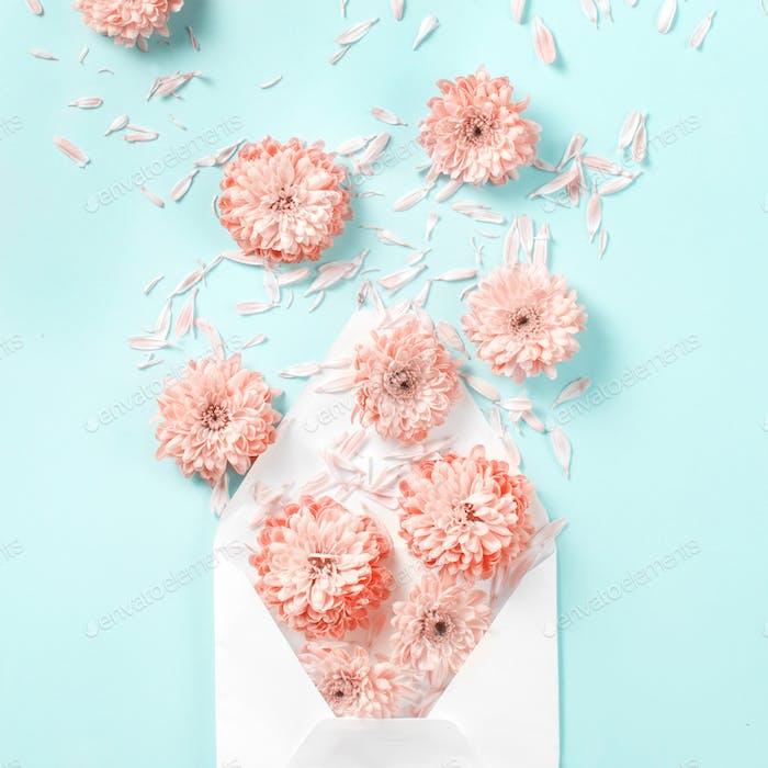 Umschlag mit Blumen