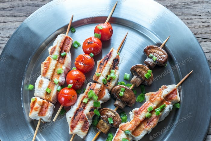 Grilled chicken and vegetables skewers