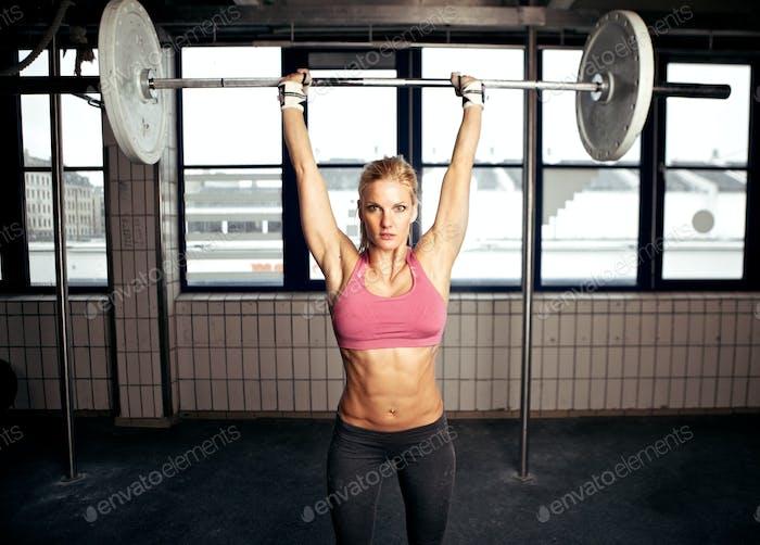 Shoulder Press Fitness Übung