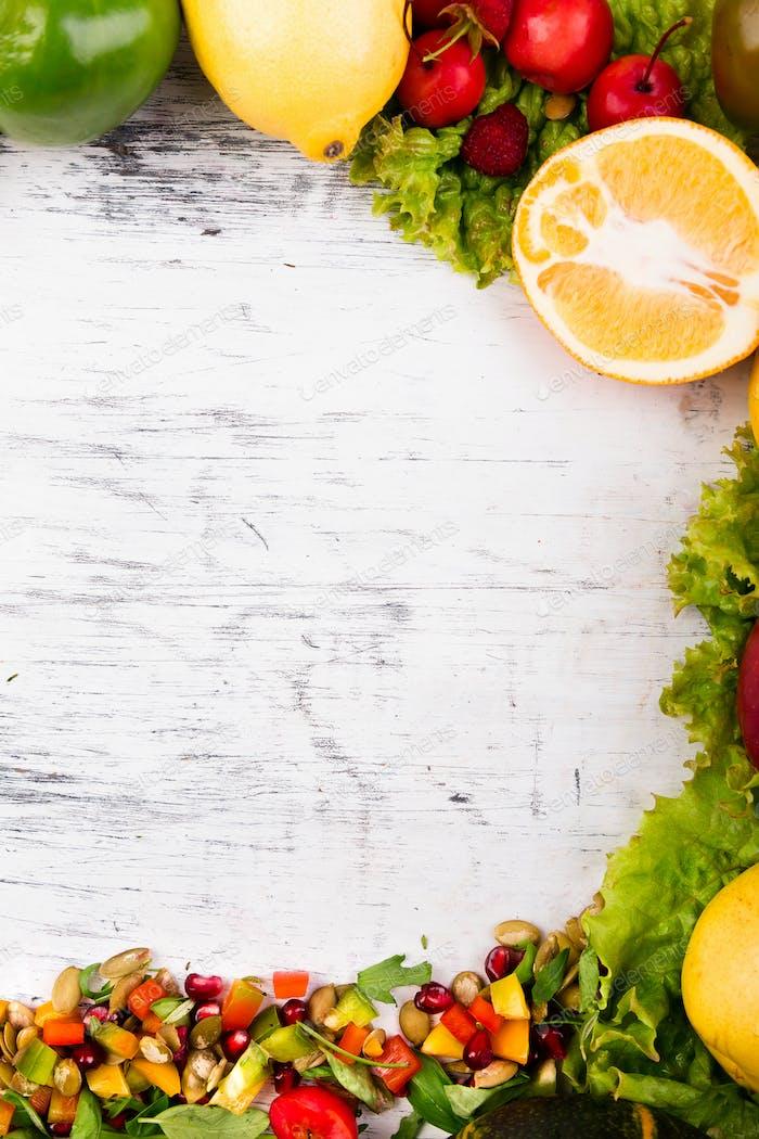 Rahmen für Obst und Gemüse. Kopierraum. Vegan. Klare Nahrung.