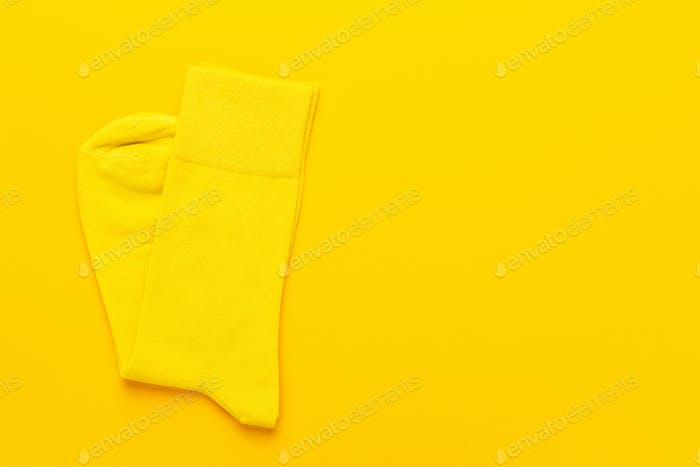Paar gelbe Socken