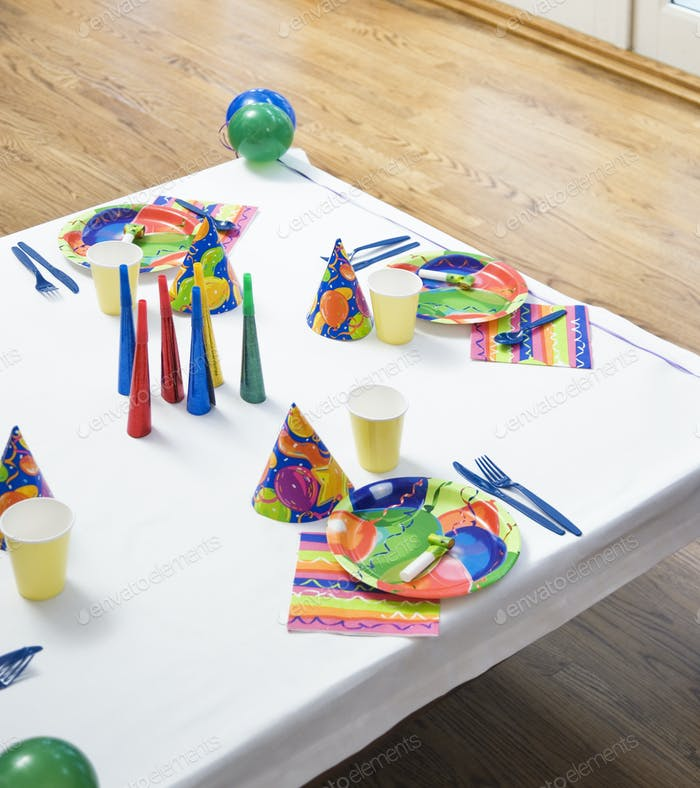 Place Settings For a Birthday Party