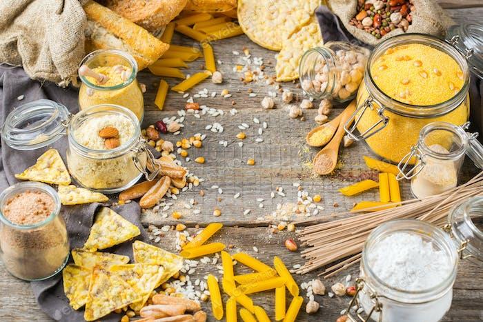 Glutenfreie Lebensmittel und Mehl, Mandel, Mais, Reis, Kichererbsen