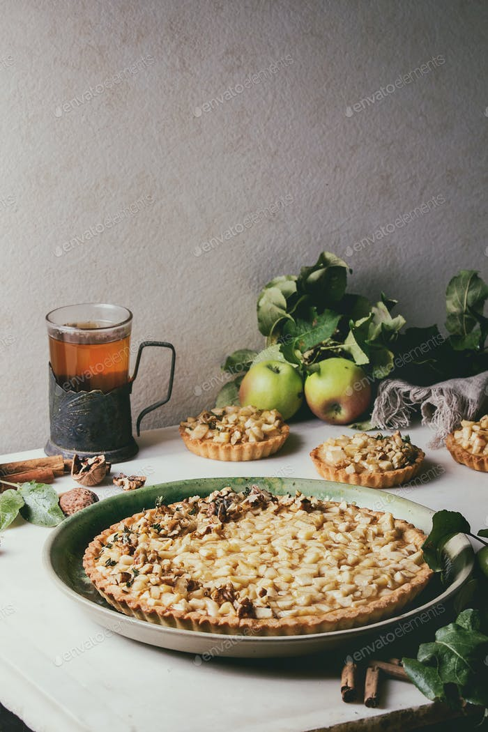 Sweet apple tart