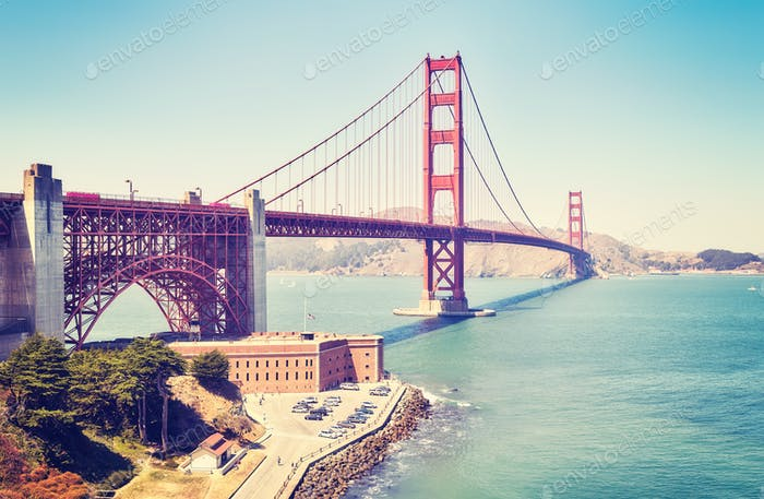 Panoramic picture of the Golden Gate Bridge, USA.