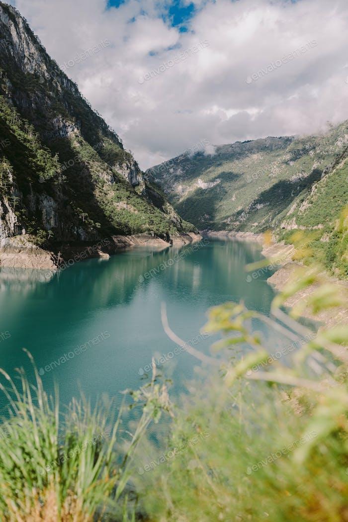 erstaunliche Bergsee-Landschaft