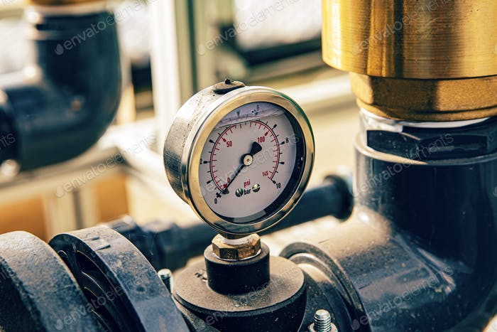 Manometer measuring pressure