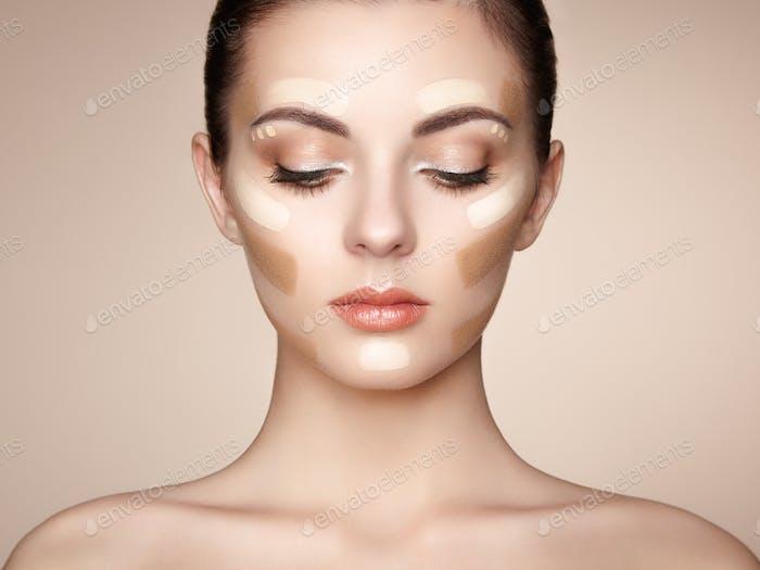 Schönes Frauengesicht. Perfektes Make-up