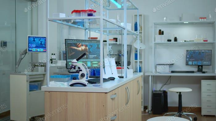Laboratorio vacío modernamente equipado