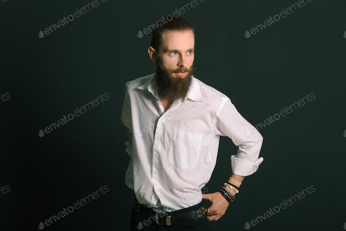 Hipster Stil bärtiger Mann