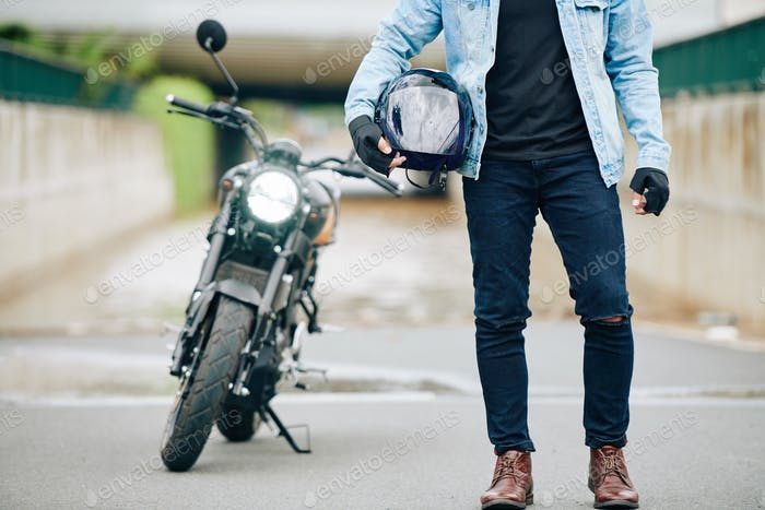 Motorcyclists with helmet