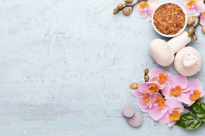 Spa Aromatherapie Hintergrund, flache Lay von verschiedenen Beauty-Pflegeprodukten.