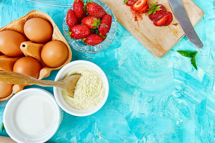 Recipe for strawberry pie. Raw ingredients for cooking strawberry pie