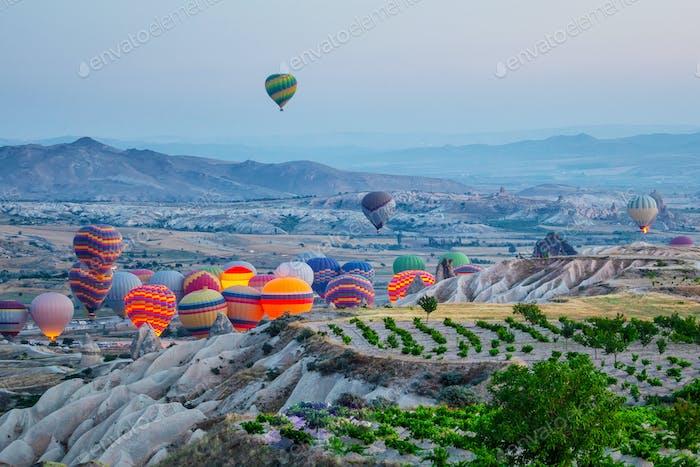 Balloons soar into Cappadocia